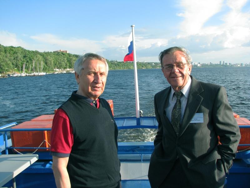 В.А. Виттих и В.Е. Котов